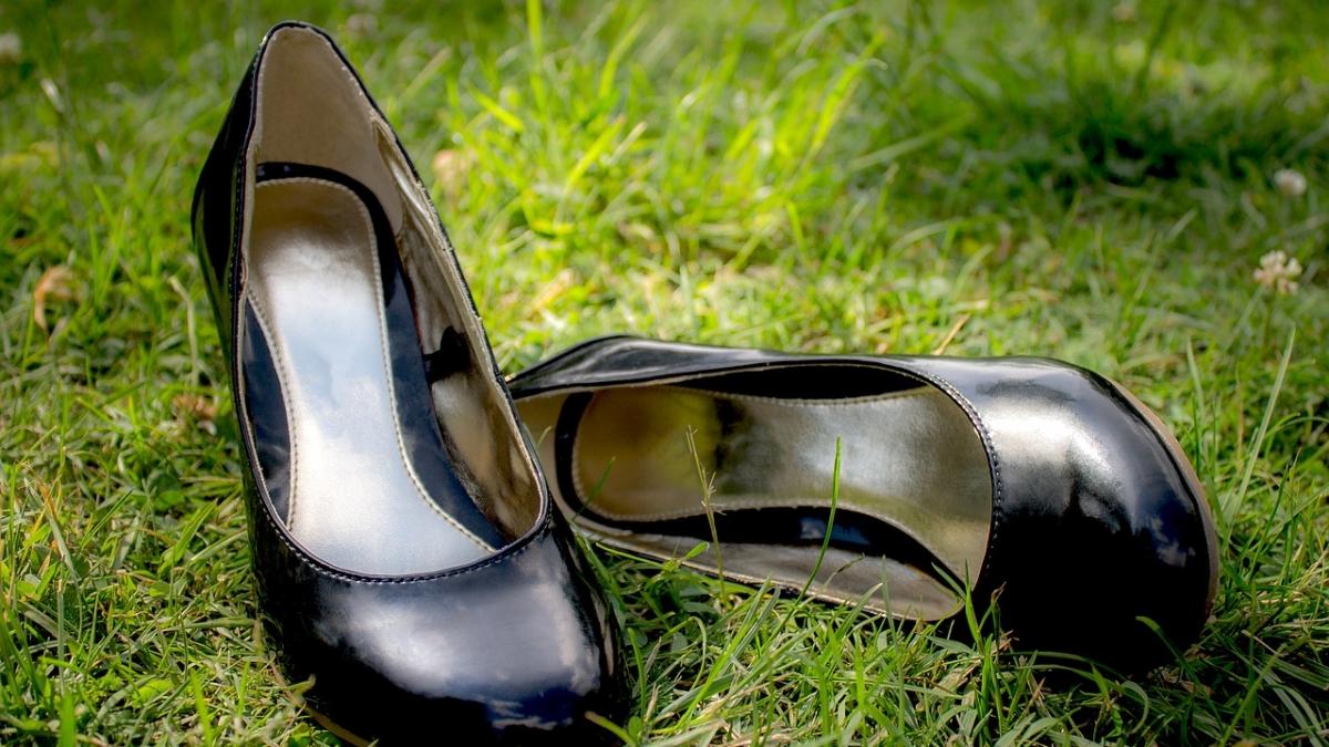 groene schoenen leer pixabay